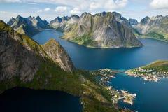 Mening van reinebringen in Noorwegen Stock Afbeeldingen