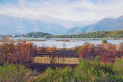 Mening van reserve Solila op een zonnige de herfstdag Tivat, Montenegro Royalty-vrije Stock Foto's