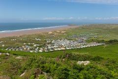 Mening van Rhossili neer aan Hillend Gower South Wales het UK in de zomer Royalty-vrije Stock Fotografie