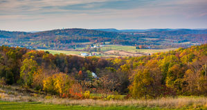 Mening van rollende heuvels in landelijk Frederick County, Maryland Royalty-vrije Stock Foto