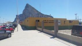 Mening van Rots van Gibraltar, Brits Gebied overzee, van LaLinea, Zuidelijk Spanje, AndalucÃa, Andalusia royalty-vrije stock foto's
