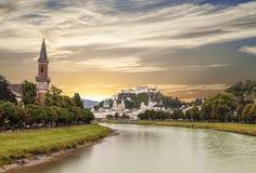 Mening van Salzburg en de vesting Hohensalzburg Royalty-vrije Stock Afbeelding