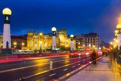 Mening van Sant Sebastian Zurriolabrug in avond Stock Foto