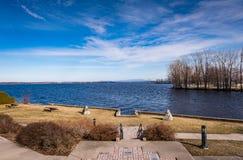Mening van Saranac-Rivier en Meer Champlain van Plattsburgh, Nieuw Y Stock Foto's