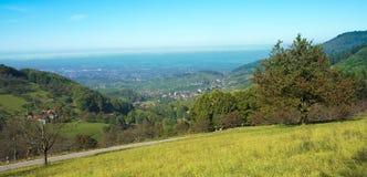Mening van Sasbachwalden over de Rijn valley_ Baden Wuerttemberg stock fotografie
