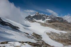 Mening van Seewjinengletscher-gletsjer in Monte Rosa-massief Schwarz royalty-vrije stock fotografie