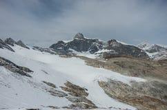 Mening van Seewjinengletscher-gletsjer in Monte Rosa-massief Schwarz stock fotografie
