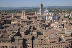 Mening van Sienna Cathedral in Toscanië stock afbeelding