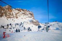 Mening van skitoevlucht in Alpen Stock Foto's