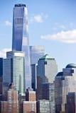 Mening van skyscrappers van Manhattan Stock Afbeeldingen