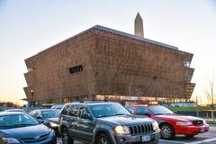 Mening van Smithsonian Nationaal Museum van Afrikaanse Amerikaanse Geschiedenis en Cultuur (NMAAHC) Washington DC, de V Royalty-vrije Stock Afbeeldingen