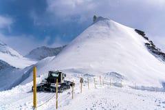 Mening van sneeuw behandeld Sfinxwaarnemingscentrum in Jungfraujoch stock afbeelding