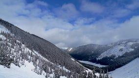 Mening van sneeuw in de bergen stock fotografie