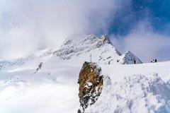 Mening van sneeuwjungfraujoch in sneeuwdag royalty-vrije stock foto