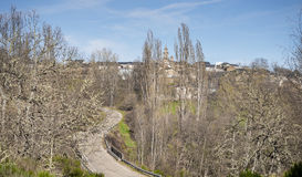 Mening van Spaanse stad Rabano DE Sanabria, Spanje Stock Afbeeldingen