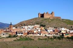 Mening van stad en kasteel, Lacalahorra, Spanje. Royalty-vrije Stock Fotografie