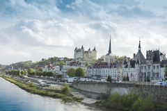 Mening van stad Saumur van de Vallei van de Loire, Frankrijk Royalty-vrije Stock Afbeeldingen