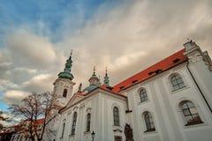 Mening van Strahov-Klooster in Praag, Tsjechische Republiek royalty-vrije stock foto
