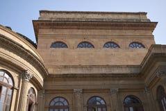 Mening van Teatro Massimo stock afbeelding