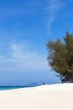 Mening van tropisch strand in andaman overzees in Koh Mai Phai Krabi, Thaiand Stock Fotografie