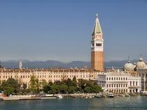 Mening van Venetië met campanile Royalty-vrije Stock Afbeelding