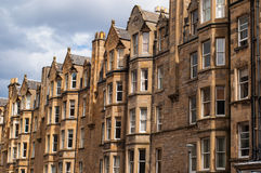 Mening van Victoriaanse woningshuisvesting in het het Westeneind van Edinburgh stock fotografie