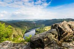 Mening van Vltava-rivier vanuit Solenice-gezichtspunt, Tsjechische Republiek stock afbeeldingen