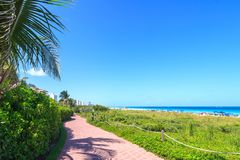 Mening van waterweg om Miami in te gaan Royalty-vrije Stock Foto's
