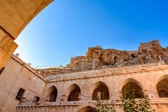 Mening van Zinciriye Madrassa in Mardin, Turkije royalty-vrije stock foto's