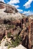 Mening van Zion National Park vanaf bovenkant die van Angel's, Utah, de V.S. landen Royalty-vrije Stock Foto's