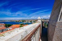 Mening vanaf bovenkant van klokketoren van kerk van St Anastasia in Zadar Royalty-vrije Stock Afbeeldingen