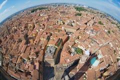 Mening vanaf de bovenkant van Asinelli-toren met een lens van het vissenoog aan Bologna, Italië Royalty-vrije Stock Foto's