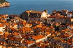 Mening vanaf de bovenkant van het oude deel van de stad aan Dubrovnik, Kroatië Stock Foto