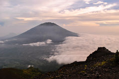 Mening vanaf de bovenkant van Merapi-vulkaan Royalty-vrije Stock Fotografie