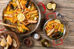 Mening vanaf de bovenkant van paella stock afbeeldingen