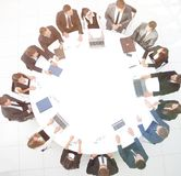 Mening vanaf de bovenkant vergadering van aandeelhouders van het bedrijf bij royalty-vrije stock foto's