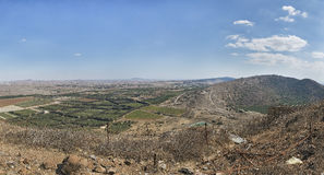 Meningen over de Syrische grens met Bental-berg Stock Fotografie