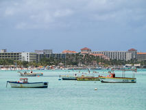 Meningen rond Aruba - hotels Stock Afbeelding