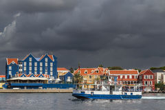 Meningen rond Punda - veerboot Stock Fotografie