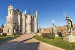 Meningen van Bisschoppelijk paleis in Astorga, Leon, Spanje. Royalty-vrije Stock Afbeelding