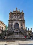 Meningen van Clerigos-toren in Porto, Portugal stock foto