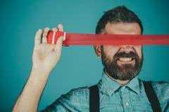Meningscontrole en propaganda censuur Brutaal gebaard mannetje Conceptenvrijheid van toespraak en pers Internationale Mens stock foto's