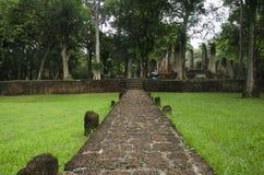 Meningslandschap van het standbeeld van Boedha in Wat Phra Non in Kamphaeng Phet, Thailand Royalty-vrije Stock Foto