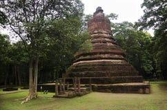 Meningslandschap van het standbeeld van Boedha in Wat Phra Non in Kamphaeng Phet, Thailand Royalty-vrije Stock Foto's