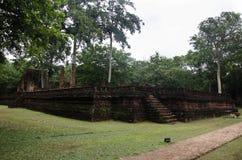 Meningslandschap van het standbeeld van Boedha in Wat Phra Si Iriyabot van het Historische Park van Kamphaeng Phet in Kamphaeng P Royalty-vrije Stock Foto's