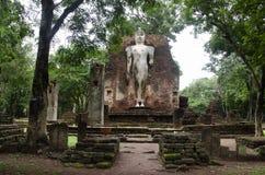 Meningslandschap van het standbeeld van Boedha in Wat Phra Si Iriyabot van het Historische Park van Kamphaeng Phet in Kamphaeng P Royalty-vrije Stock Afbeelding