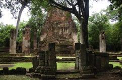 Meningslandschap van het standbeeld van Boedha in Wat Phra Si Iriyabot van het Historische Park van Kamphaeng Phet in Kamphaeng P Royalty-vrije Stock Afbeeldingen