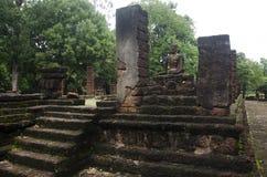 Meningslandschap van het standbeeld van Boedha in Wat Phra Sing van het Historische Park van Kamphaeng Phet in Kamphaeng Phet, Th Stock Afbeeldingen