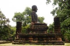 Meningslandschap van het standbeeld van Boedha in Wat Phra Sing van het Historische Park van Kamphaeng Phet in Kamphaeng Phet, Th Stock Afbeelding