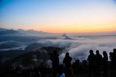 Meningspunt bovenop de berg in Pokhara Stock Foto's